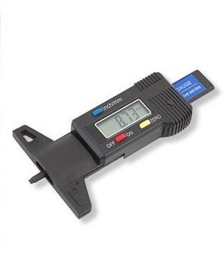 Digitális abroncs mélységmérő