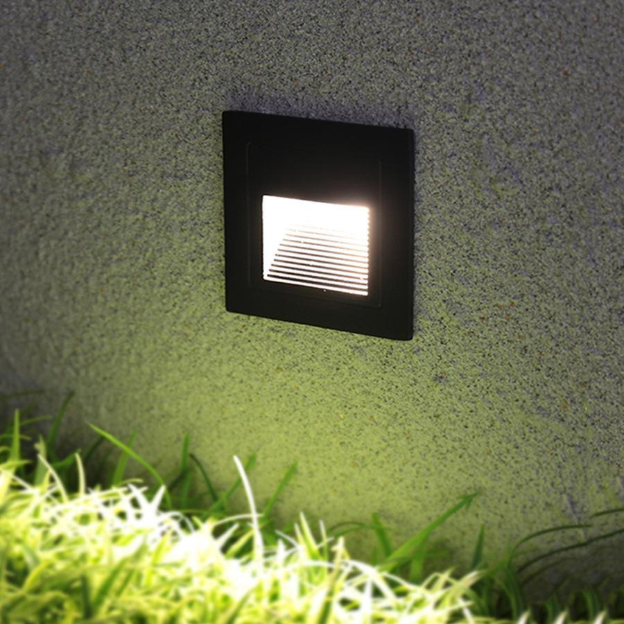 Színváltós RGB +W LED lámpa izzó távirányítóval 6W / E27
