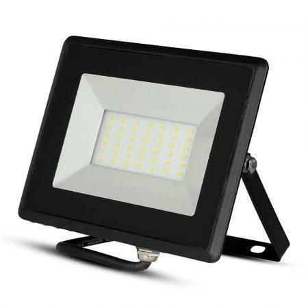 V-TAC 30W SMD LED reflektor, fényvető természetes fehér - fekete ház - 5953