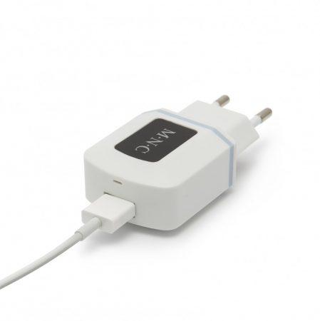 Hálózati USB mobiltelefon töltő adapter 1A - 5V / 230V - fekete / fehér